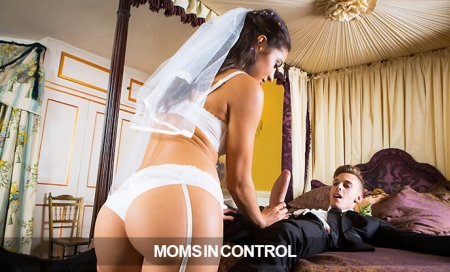 MomsInControl + Brazzers: Just 9.95!