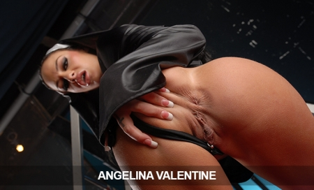 AngelinaValentine:  30Day Pass Just 9.95